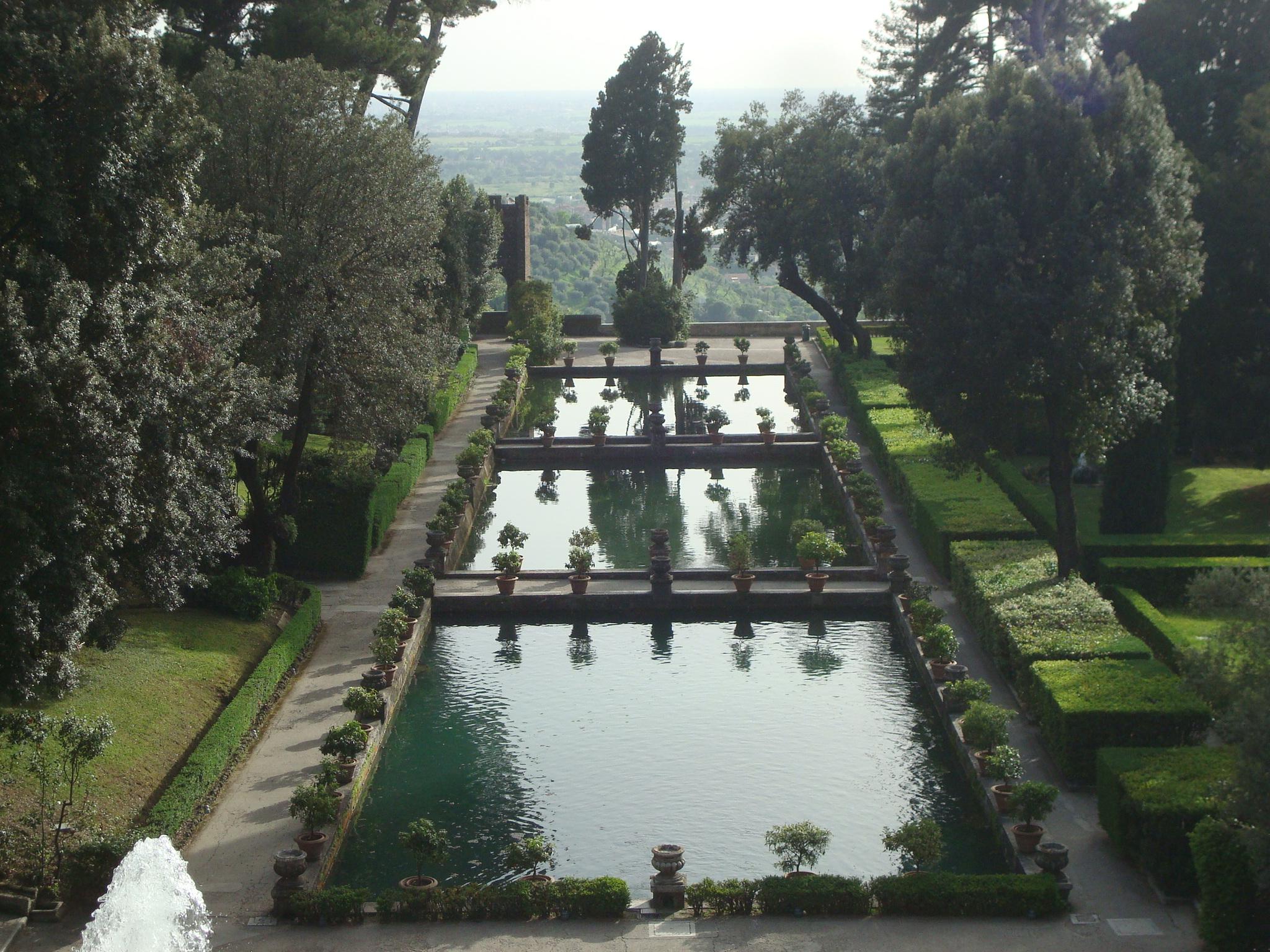 Villa D'Este pools