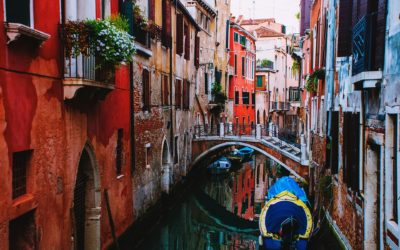 Navigate the waterways and top sights in Venice, Italy