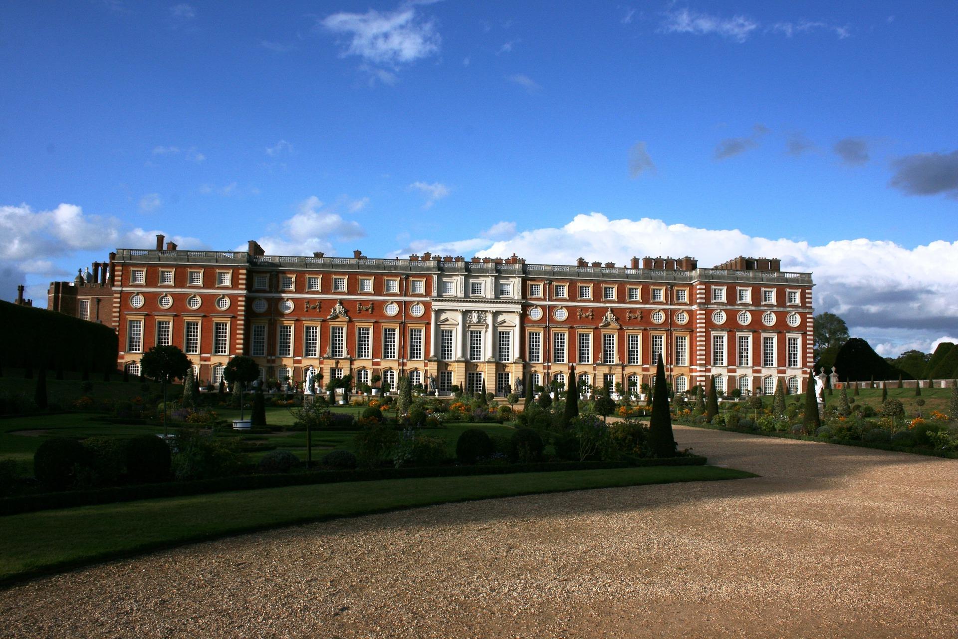 Royal Tour of London - Hampton Court Palace